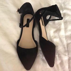 Forever 21 Black Flats Size 7